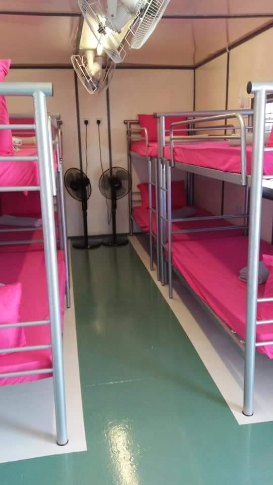 homestay port dickson pool kontena&backpackers
