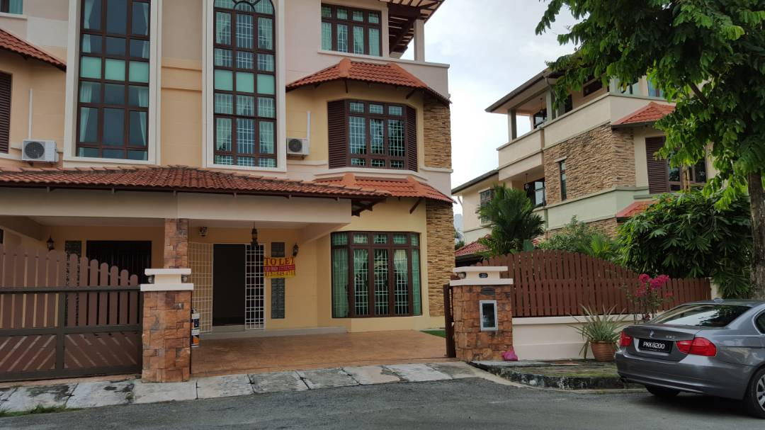 LAZYBOYS Villa Feringghi Park