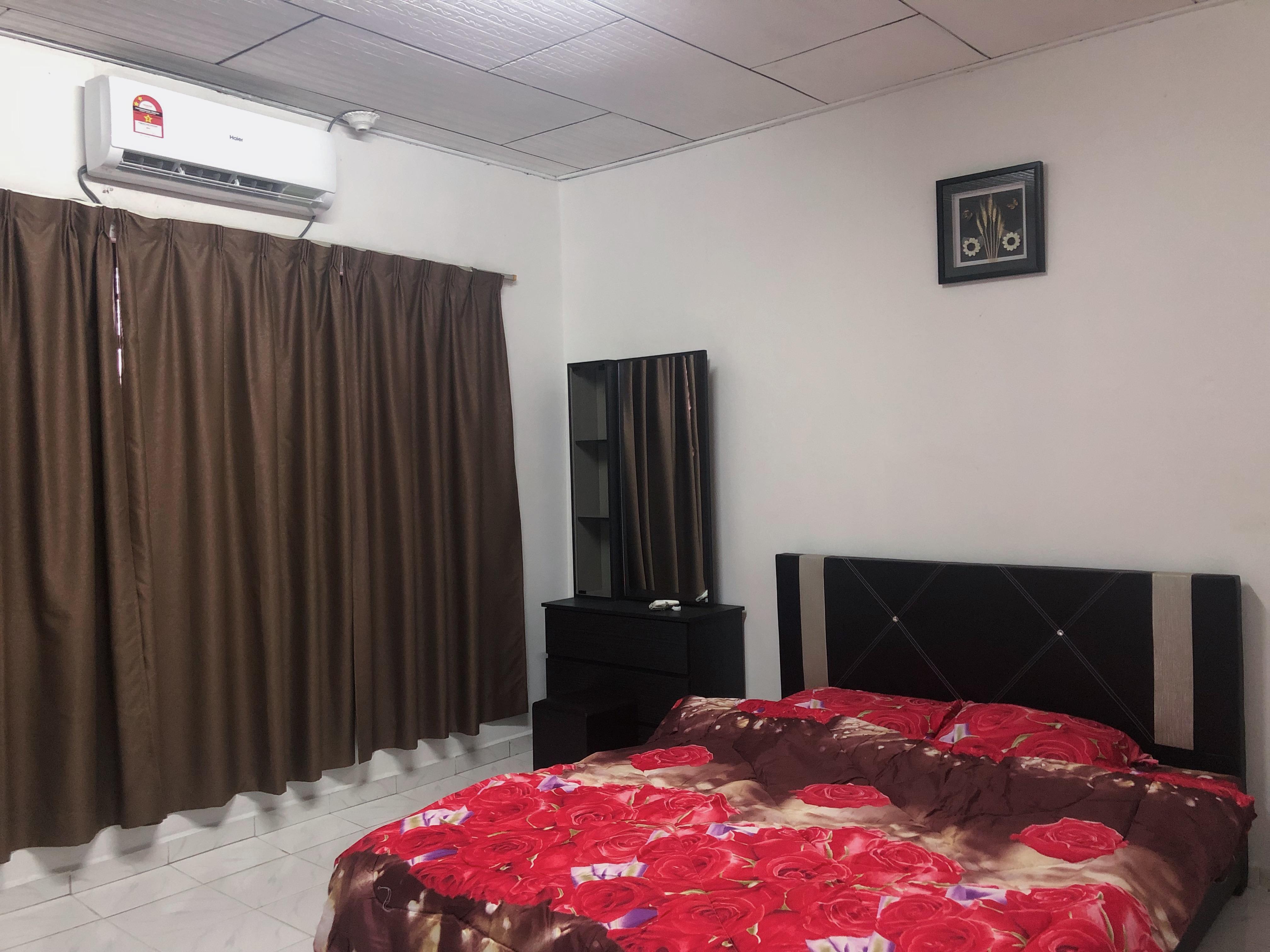 Shah homestay klia/klia2